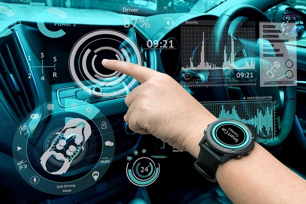 Qualcomm unveils cellular connected car chipset